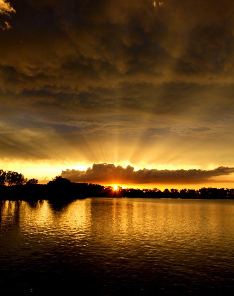 Sunset foss lake yellow and blue