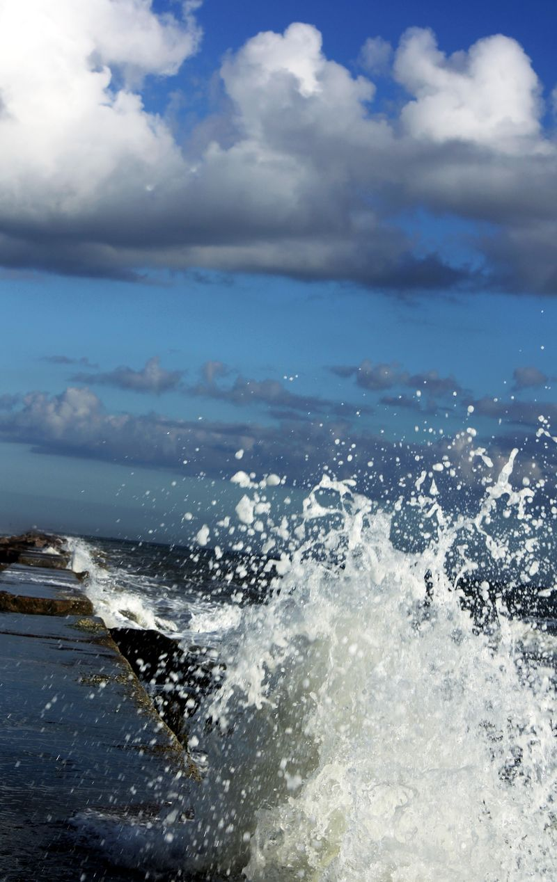 Waves Galveston