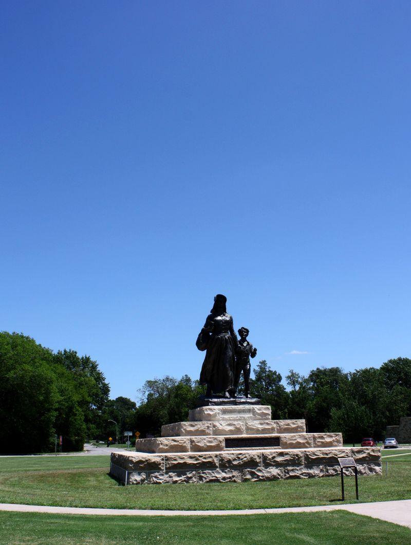 PIoneer Woman Statue Ponca City