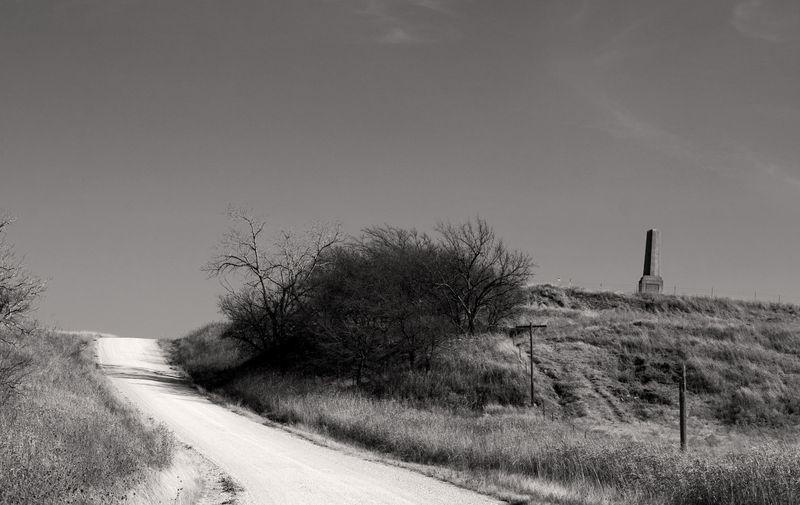 Monument Hill BW