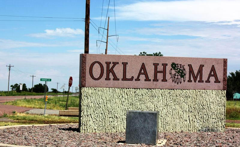 Oklahoma Sign at Hollis