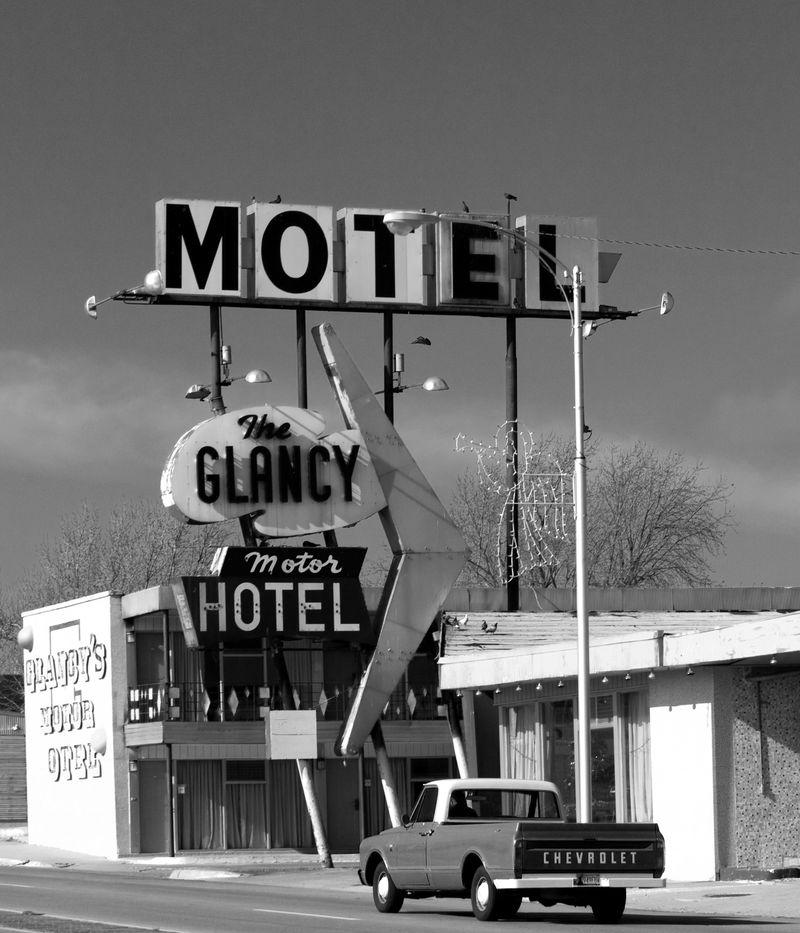 Glancy Motel