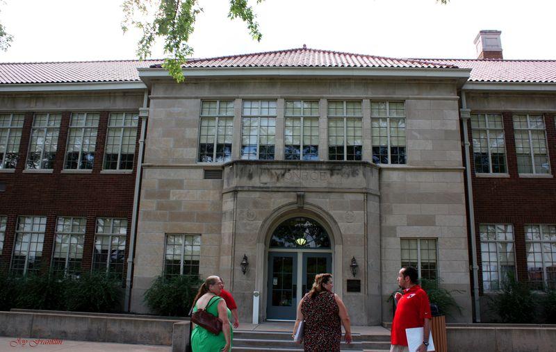 Brown Vs Board Topeka Monroe School