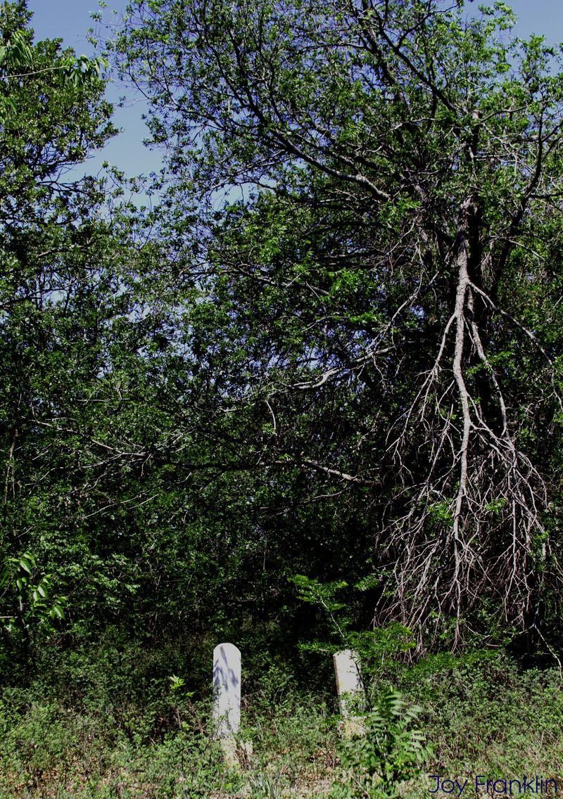 Cruce Cemetery 1