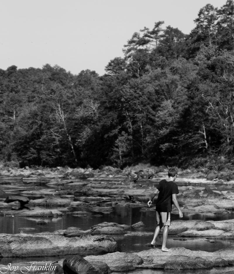 Rowan at Cosstot Falls (1 of 1)