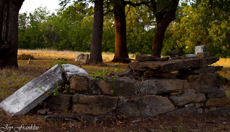 Grave Garvin County Oklahoma (1 of 1)