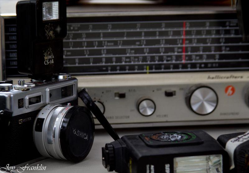 Old cameras at a garage sale-4138