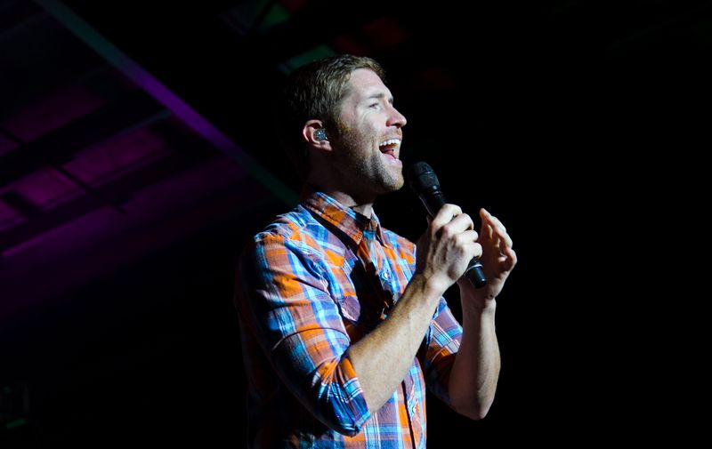 Josh Turner at Tuskahoma in 2012 2nd edit -6013