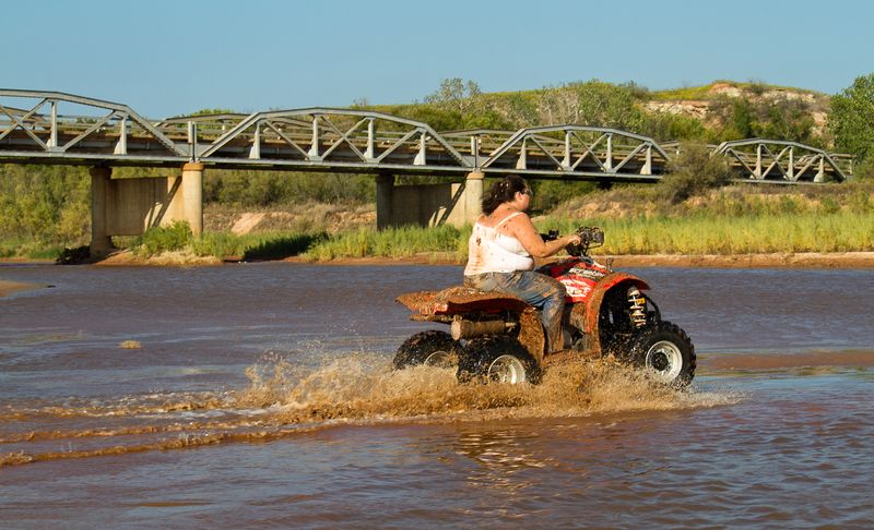 Red River Bridge  four wheeling-1329