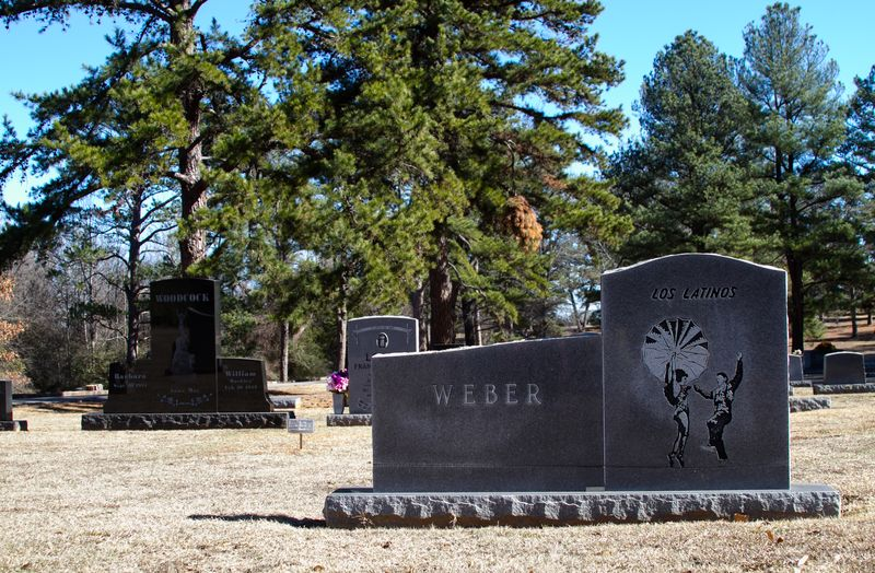 Los Latinos Grave Hugo Oklahoma-6982