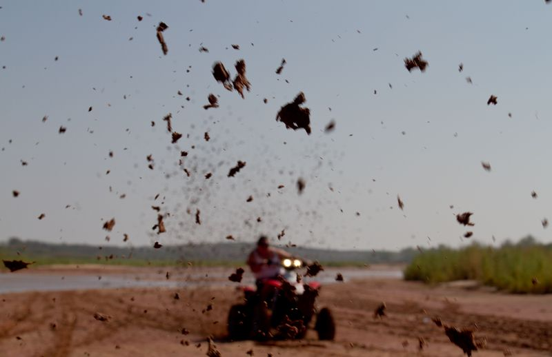 Four Wheeling Mud-1026