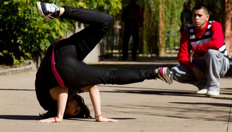 Break Dancing-2330