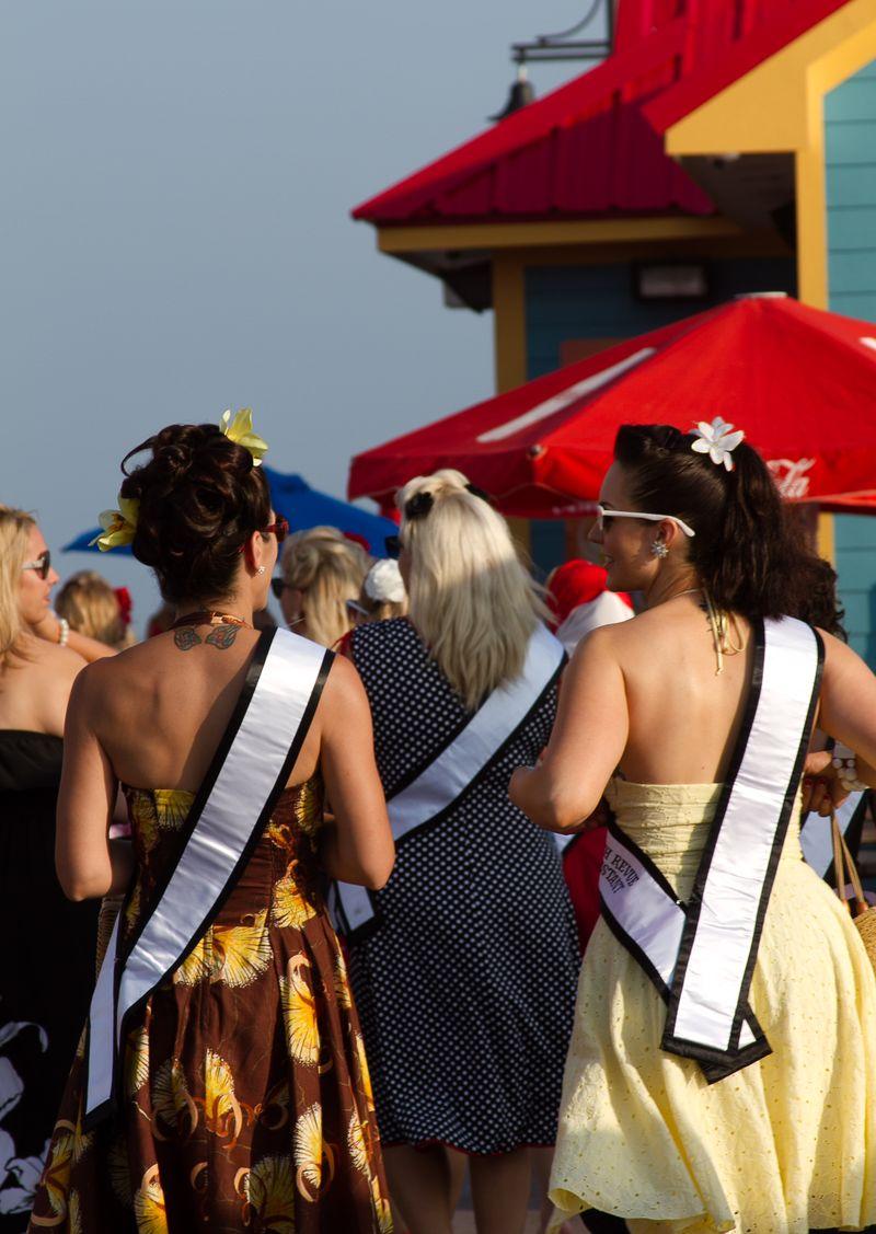 Beauty queens  (1 of 1)