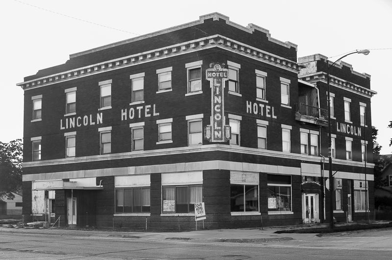 The Lincoln Hotel in Franklin Nebraska-9833