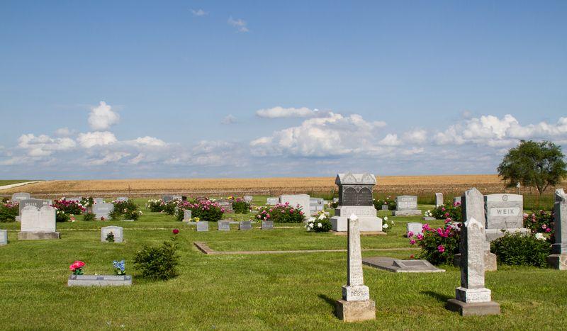 Prairie Cemetery in America-4923
