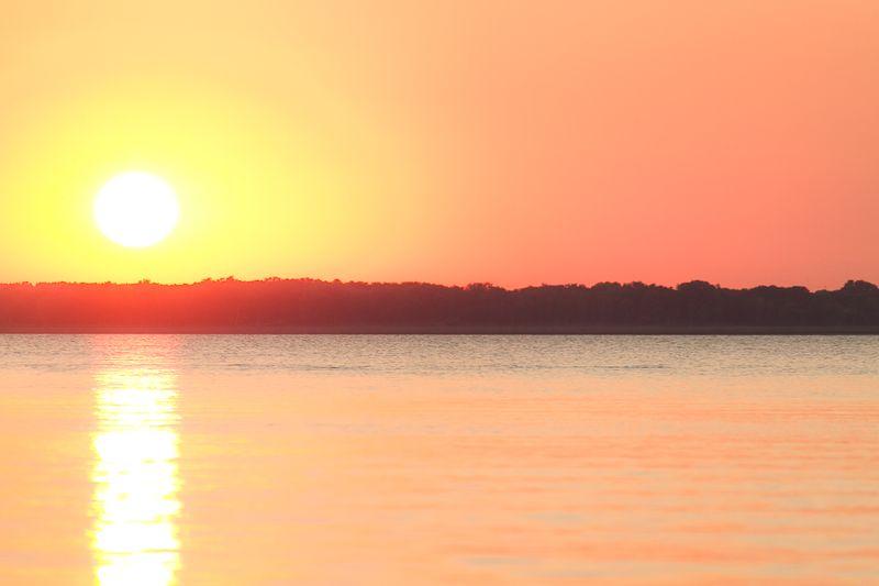 Muted Sunset on Harlan County dam-0053
