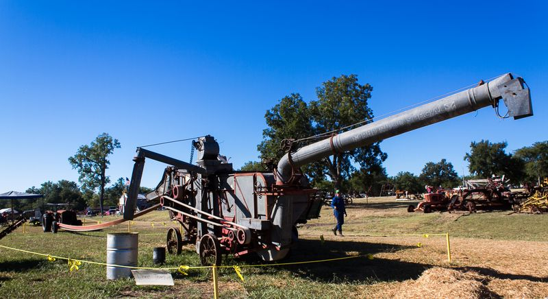 Thresher at the Antique Tractor Show in Sulphur OK-3637