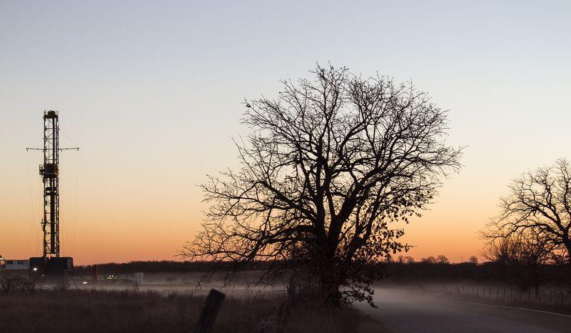 Rig before Sunrise -8185