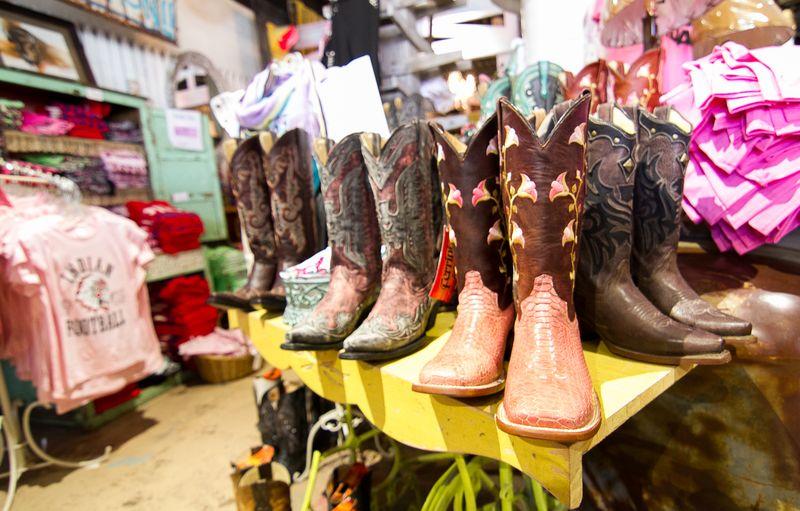 Pink Pistol Store in Tishomingo-8331