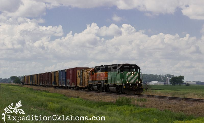 6-5-2014 train in between Vermillion and Yankton South Dakota-9184