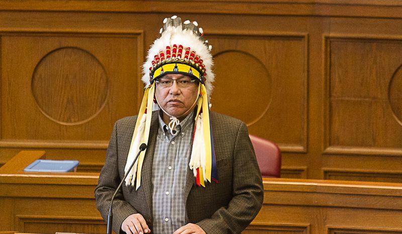 Chief Gordon Yellowman-8740