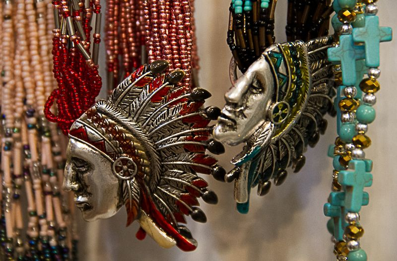 Jewelry incorporating warbonnet imagery-9505