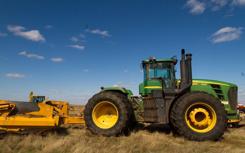 Karla Sharp's Well Site  Monday April 14th Big John Deere-2052